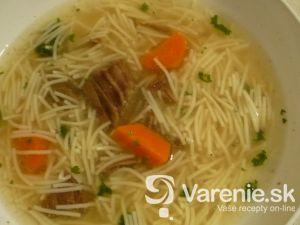 Poctivá hovädzia polievka s rezančekmi