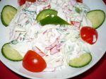 Jarný šalát z čerstvej zeleniny