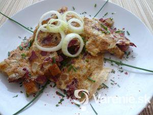 Vaječná omeleta s chlebom