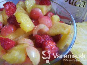 Ovocný šalát s likérom