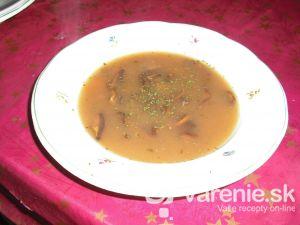 Hubová polievka zo sušených húb