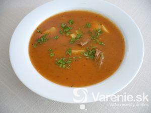 Ovčia gulášová polievka so zemiakmi