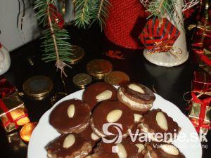 Kakaové tortičky s orechovým krémom