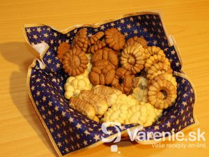 Vanilkové keksy z lisu na cesto