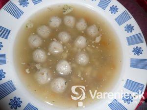 Domáca polievka s knedľami