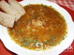 Kapustová polievka s vajcami