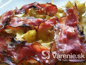 Zapekané zemiaky so syrom a slaninou