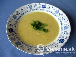 Cuketová polievka so zemiakmi