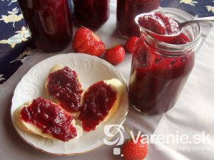 Čerešňovo-jahodová marmeláda