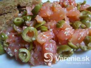 Údený losos s olivami