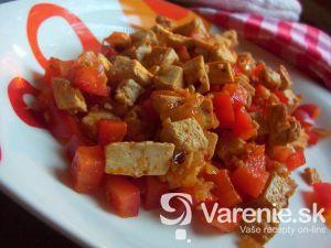 Paprikový tofu šalát