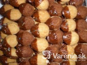 Kokosové orechy s krémom