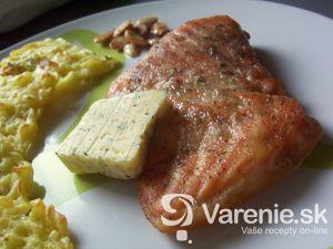 Losos s cesnakovým maslom