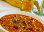 Fazuľová polievka s orechmi