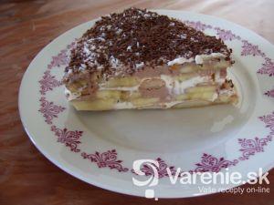 Smotanová torta s banánmi