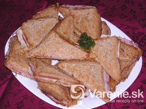 Šunkovo-syrové toasty