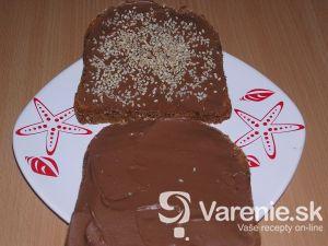 Čokoládový sendvič so sezamom