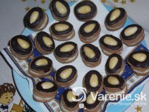 Kakaové cukrovinky s mandľami
