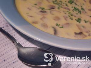 Jednoduchá šampiňónová polievka
