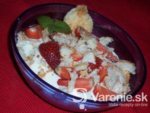 Tvarohový dezert s jahodami a Kokoška
