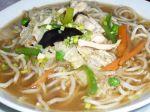 Kuracia polievka s čínskymi rezancami a hubami