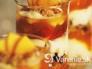 Ovocný pohár s nektárinkami